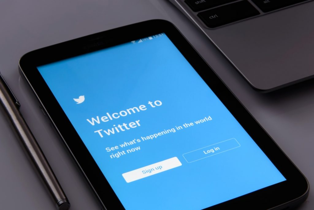 4 steps to set up a great Twitter account