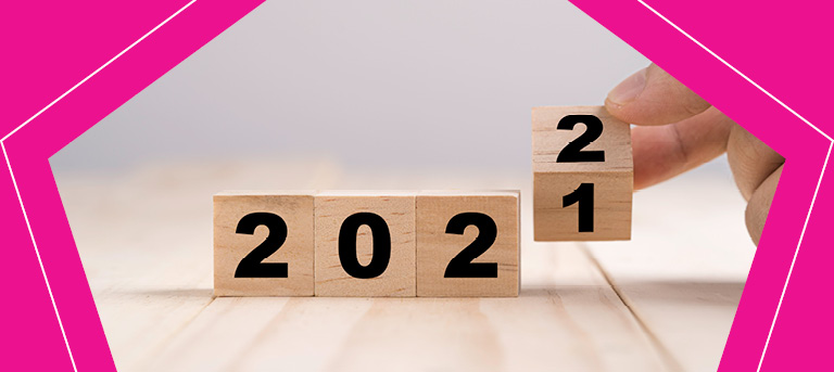 wooden blocks showing 2021 changing to 2022